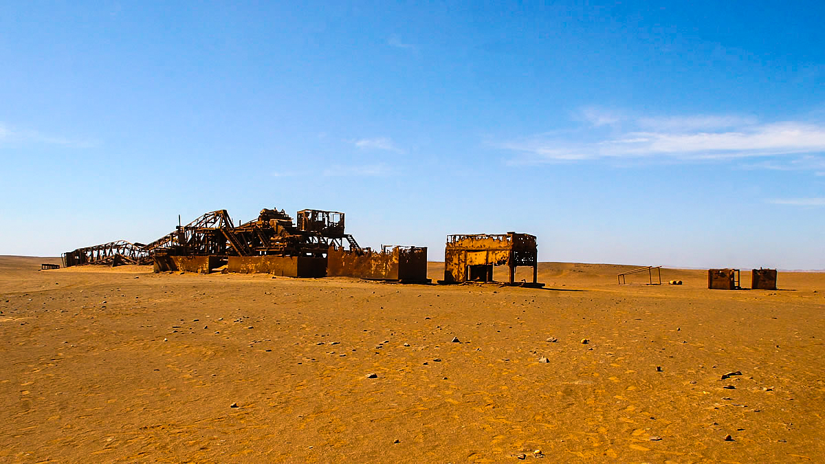 Abandoned oil rig, near Toscanini, Skeleton Coast, Namibia